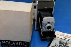 Polaroid 80b Highlander