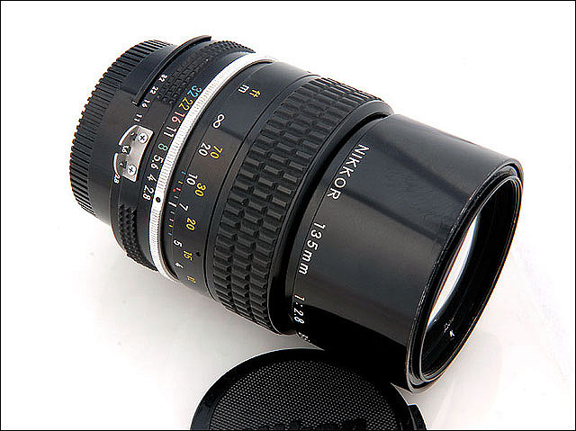 Nikkor 135mm f/2.8 Ai