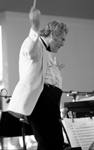 Conductor Myron Romanul