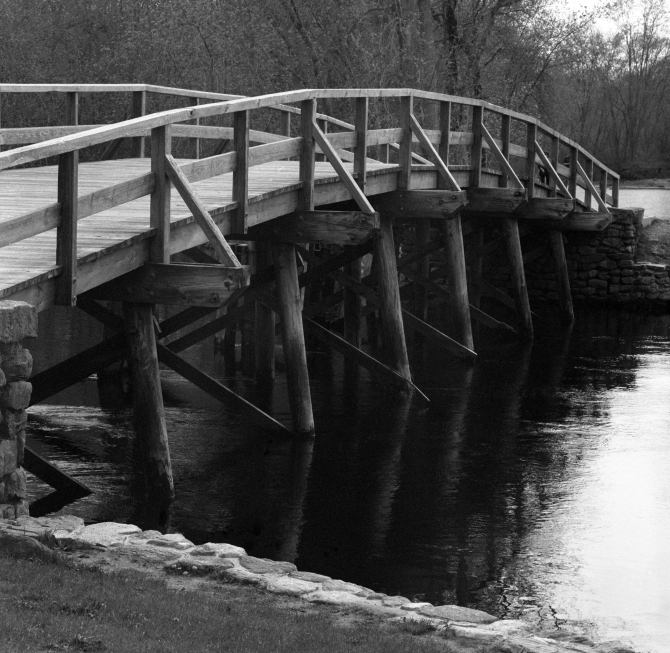 Old North Bridge replica that was built in 1956, based on drawings of the bridge built in the 1760s. It was then restored in 2005.